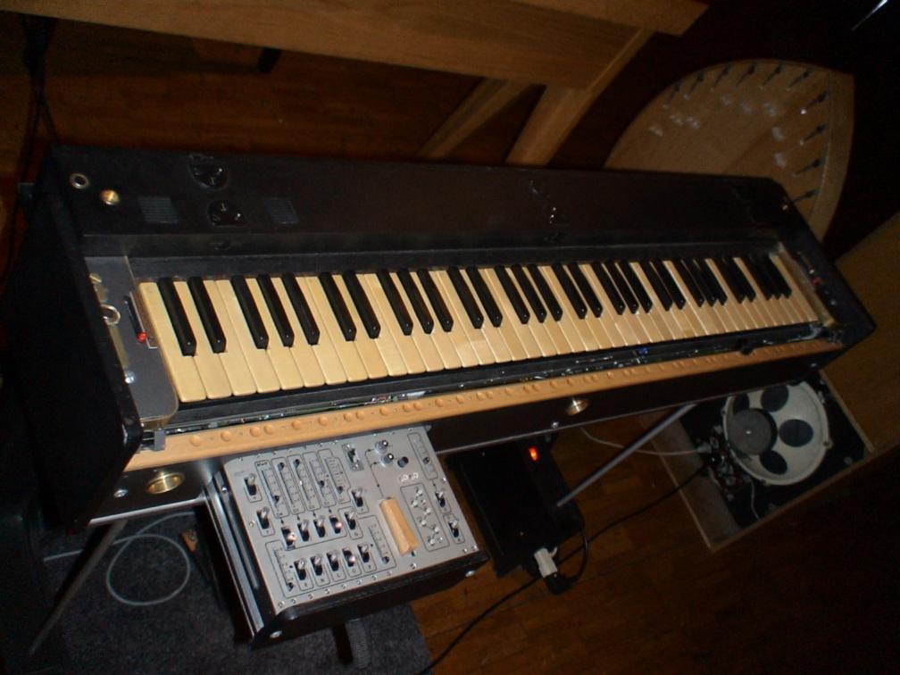 http://www.metunar.ch/musik/instrumente/analog/ondes_martenot/6.jpg